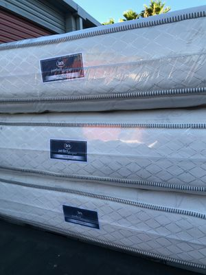 GORGEOUS SUPER THICK PLUSH Queen Pillow Top Mattress sets !!! JUST $199!!! Free DELIVERY TONIGHT!!! 🚚 for Sale in Las Vegas, NV