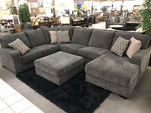 New sectional from Ashley with ottoman included for Sale in Rialto, CA
