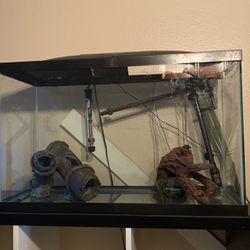29 Gallon Fish Tank +equipment for Sale in Tampa,  FL