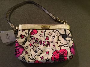 Coach poppy wristlet for Sale in Seattle, WA