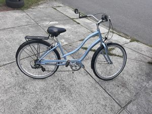 VERY NICE BIG bycicle Adult SIZE Smoothly ride bike for SALE for Sale in Bellevue, WA
