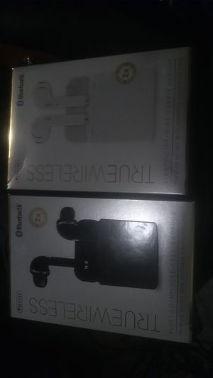 BLUETOOTH WIRELESS EARBUDS for Sale in Tucson, AZ