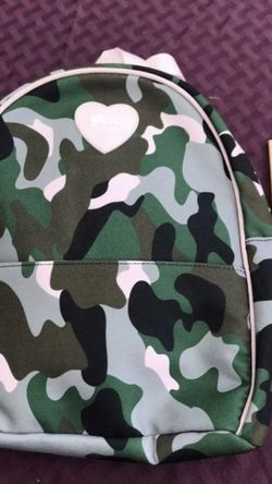 NEW!!! GUESS Camo/Pink Backpack Purse for Sale in Torrance,  CA
