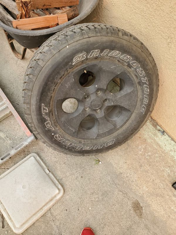 Jeep tire and wheel