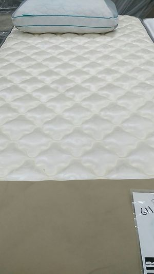Crazy quilt queen size mattress and box spring for Sale in Salem, VA