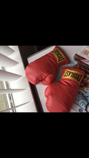 Boxing gloves for Sale in Lexington, KY
