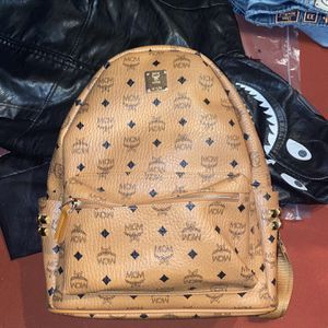 Mcm Bag HMU for Sale in Galloway, OH