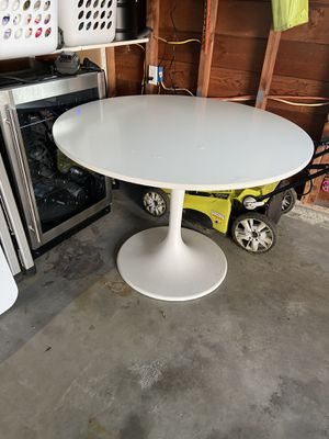 Round IKEA Dining Table—Free for Sale in Seattle, WA