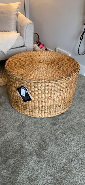 New Safavieh coffee table - wicker for Sale in Philadelphia, PA
