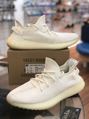 Cream Yeezy 350 V2s size 9 for Sale in Kensington, MD