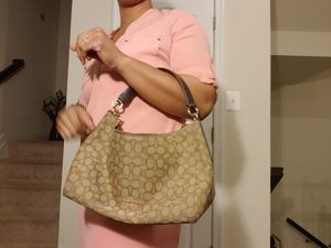 Coach F54936 East West Celeste Convertible Hobo for Sale in Severn, MD