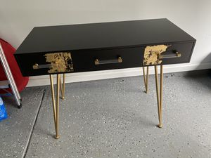 Console table for Sale in Duluth, GA