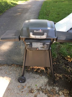 Charbroil Classic Two burner Grill for Sale in Columbus, OH