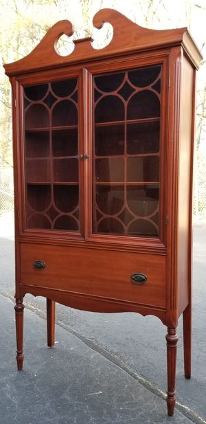 Antique china cabinet for Sale in Simpsonville, SC