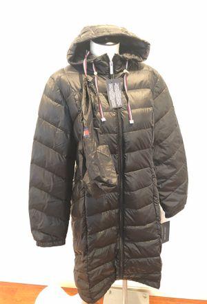Tommy Hilfiger raincoat size large for Sale in Las Vegas, NV