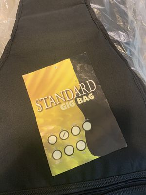 Standard gig bag for bass guitar for Sale in Kissimmee, FL