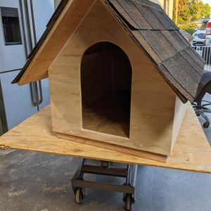 """Dog House """"1 Only Available"""" for Sale in Walnut, CA"""