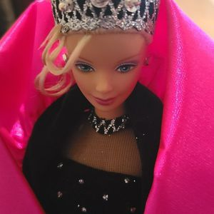 Holiday Barbie 1998 out-of-box for Sale in Poinciana, FL
