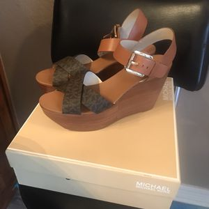 Michael Kors Wedge New Size 8.5 for Sale in Harker Heights, TX