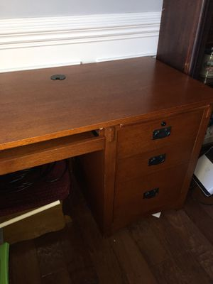 Oak l-shaped computer desk for Sale in Bonaire, GA