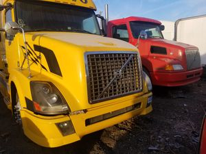 Semi Truck Parts for Sale in Detroit, MI