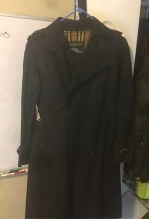 Real woman Burberry coat for Sale in Renton, WA