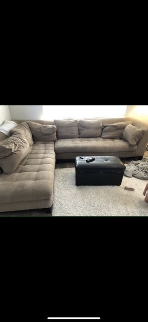 Couch sofa sectional tan for Sale in Ellensburg, WA