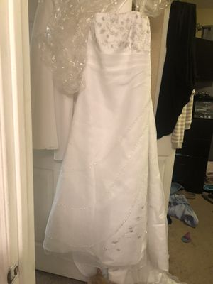Never worn Wedding Dress for Sale in Minneola, FL