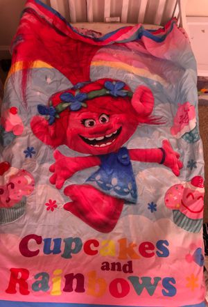 Trolls toddlers bedding set for Sale in Independence, MO