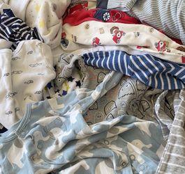 Newborn - 3 months clothing lot bundle Brands like Carter's , boppy, baby starters, peek a belly, bright stars and others !! Boys clothing lot bundle for Sale in Morton Grove,  IL