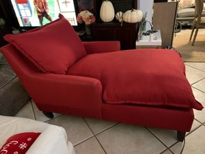 Red lounge couch chair for Sale in Boca Raton, FL