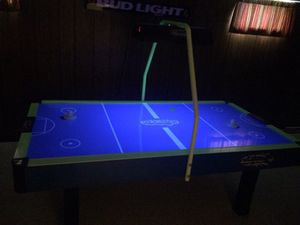 Blacklit air hockey table for Sale in Middleburg Heights, OH