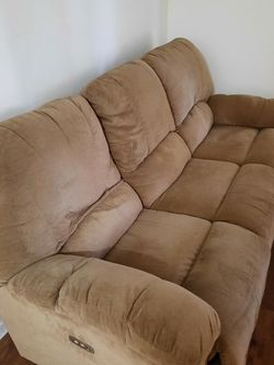Grey Chanelle like dual push button reclining couch In Excellent Condition for Sale in Dallas,  TX