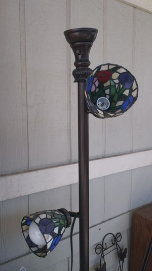 Stained glass lamp for Sale in Las Vegas, NV