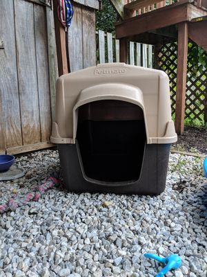 Petmate Large doghouse for Sale in Abingdon, MD
