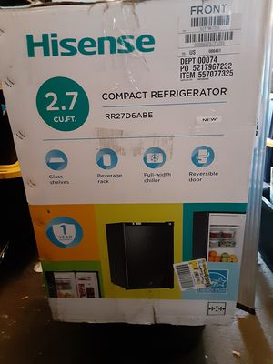 Hisense 2.7CU FT COMPACT REFRIGERATOR WITH CHILLER AND REVERSIBLE DOOR for Sale in Sparks, NV