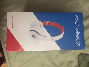 Beats solo 3 brad new sealed 2019 for Sale in Roselle, IL