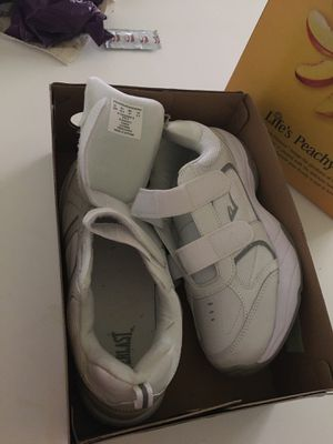 Ladies 10 white Everlast brand new never worn for Sale in Riverside, CA