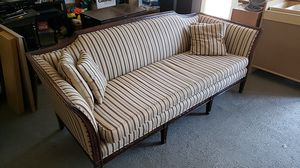 Antique Couch for Sale in Payson, AZ