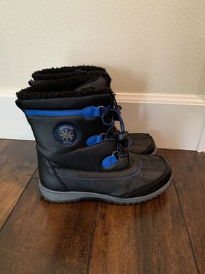 Snow boots size 4 for kids for Sale in Damascus, OR
