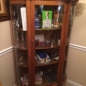 Antique Glass cabinet real wood. for Sale in Gaithersburg, MD