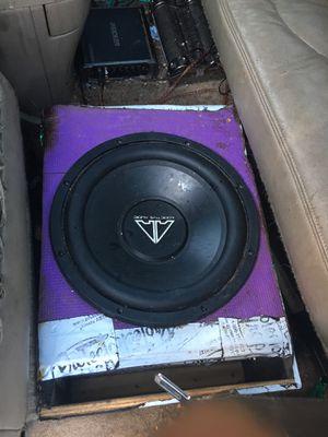 Addictive audio speakers kicker amp and 8 farad capacitor for Sale in NEW ALEXANDRI, PA