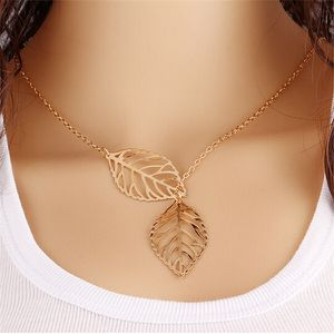 New Fashion Jewelry Necklace Leaf for Sale in Las Vegas, NV