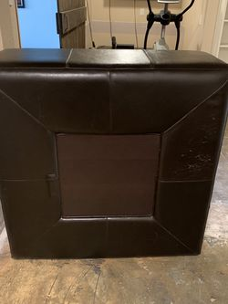 Large Leather And Wood Ottoman for Sale in Seattle,  WA