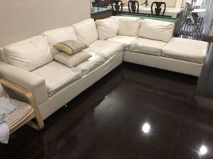 WHITE LEATHER COUCH SECTIONAL NEES RE-COVERING FOR GAME PLAY ROOM XBOX ROOM for Sale in Pembroke Pines, FL