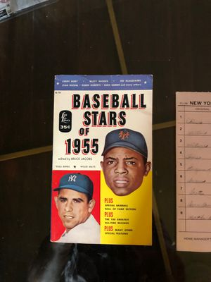 Vintage baseball books : line up card signed by Berra 1975 for Sale in Rancho Santa Margarita, CA