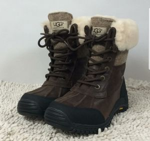 UGG Adirondack Winter Boots 6.5 for Sale in Levittown, PA