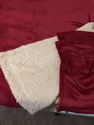 Red blanket queen size new with 2 pillow cases new for Sale in La Mesa, CA