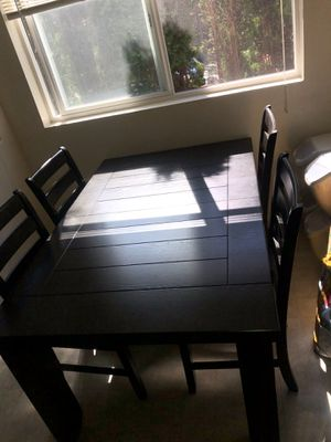 Table set in good conditions for Sale in Lynnwood, WA