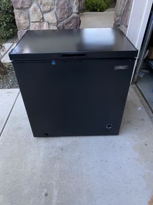 Arctic King 7 cu ft Chest Freezer, Black new for Sale in Modesto, CA